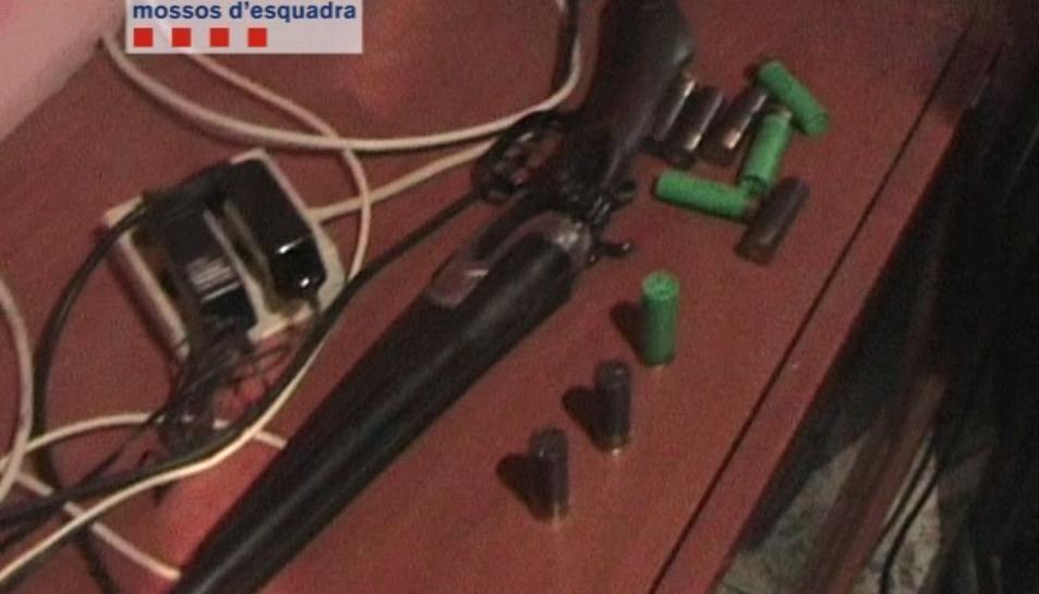 Imatge de l'escopeta utilitzada per cometre els atracaments.