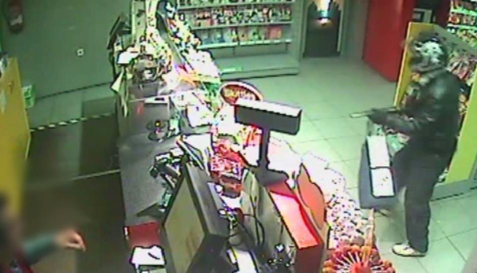 Imatge d'un dels atracaments comesos a les benzineres.