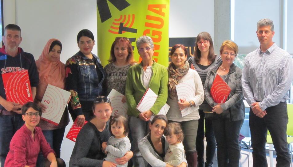 Imatge de parelles lingüístiques del programa Voluntariat per la llengua de Cambrils.