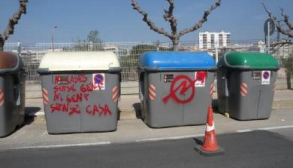 Amb aquesta acció s'eliminaran els grafitis pintats als contenidors.
