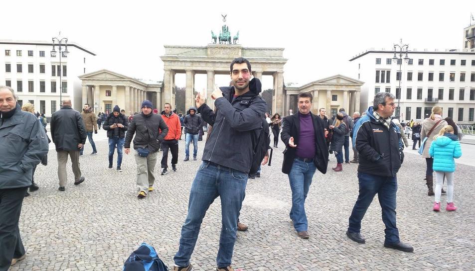 El tarragoní en una visita a la Porta de Brandenburg, a Berlín.