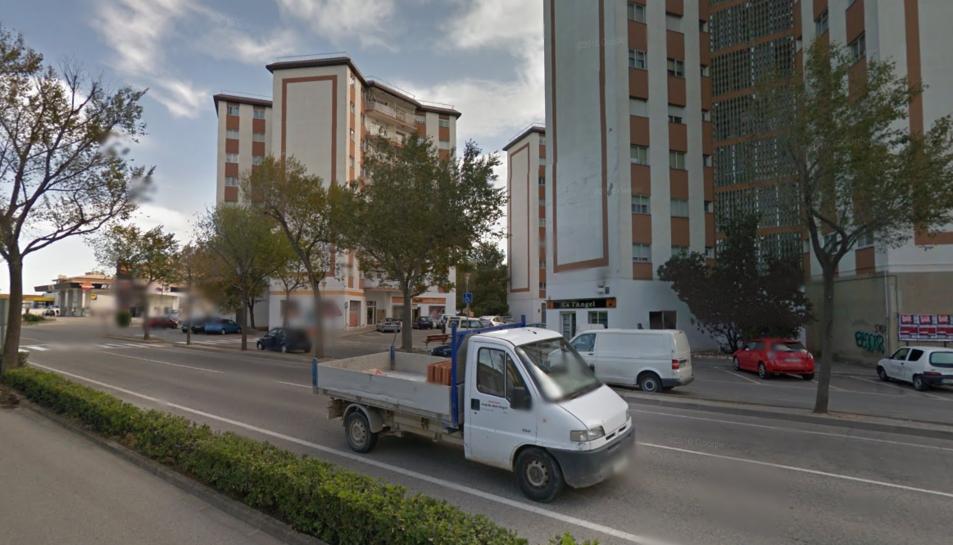 L'incident es va produir al número 130 del carrer del Pla de Valls.
