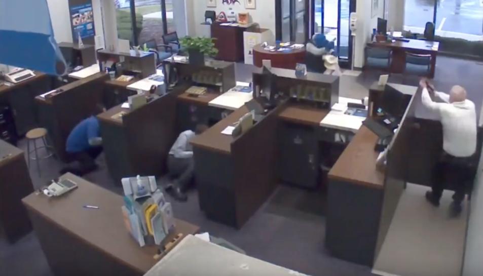 Les càmeres de seguretat van aconseguir captar el moment de l'intent de robatori.