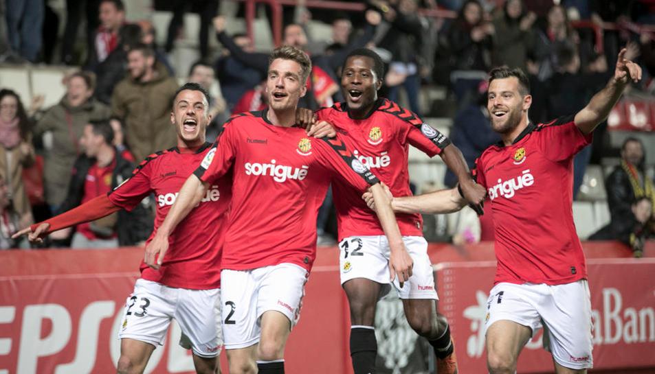 Manu Barreiro celebra un gol al Nou Estadi.