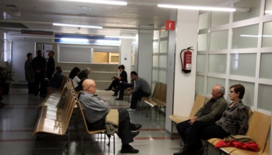 Imatge d'arxiu d'una sala de consultes externes a un centre hospitalari.