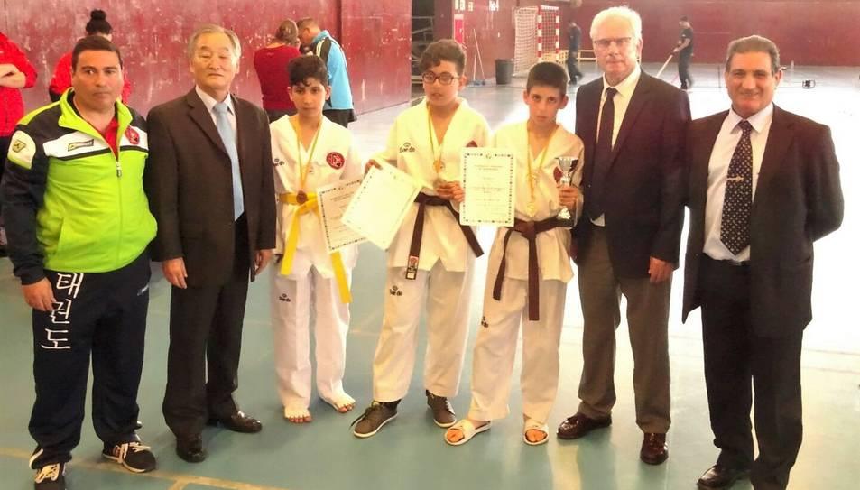 Tres dels quatre medallistes de l'Associació.