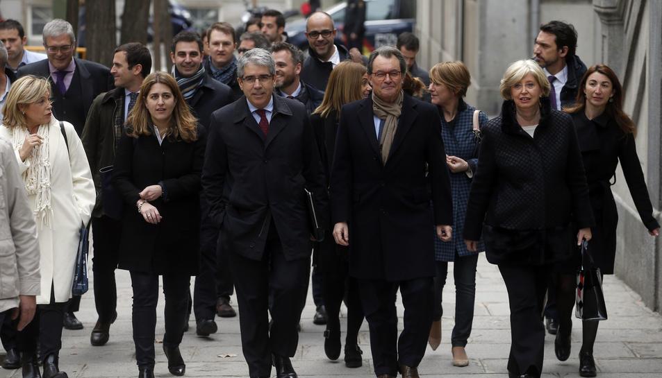 Francesc Homs i Artur Mas acompanyats per l'exconsellera d'Ensenyament Irene Rigau i de l'exvicepresidenta de Joana Ortega, també encausades pel 9-N, en una imatge d'arxiu.