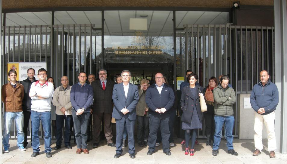 Minut de silenci a la Subdelegació del Govern a Tarragona.