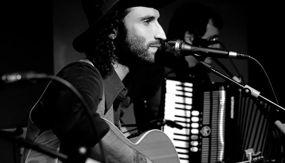 El músic madrileny durant un concert.