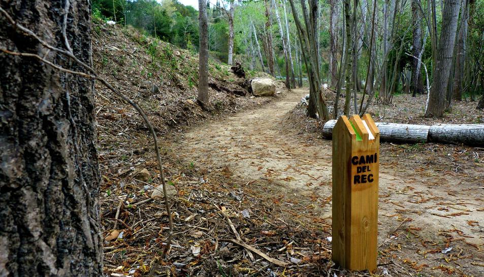Es farà una caminada popular des de la rotonda del Molí del Rovellat fins al final del sender.