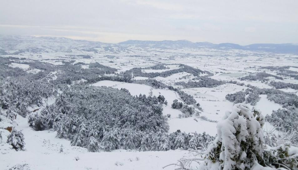 La Conca nevada, vista des de Forés.