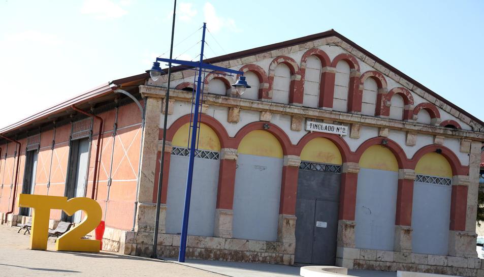 L'exterior del Tinglado on s'ubicarà el centre.