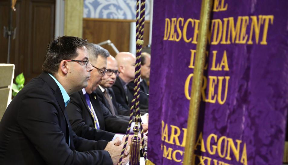 El periodista Carles Cortés, ahir durant la presentació de l'opuscle a l'església de Sant Agustí.