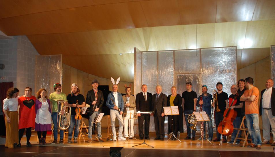 Cada personatge de l'obra està associat a un instrument, i l'argument està adaptat a la vida quotidiana del Conservatori.