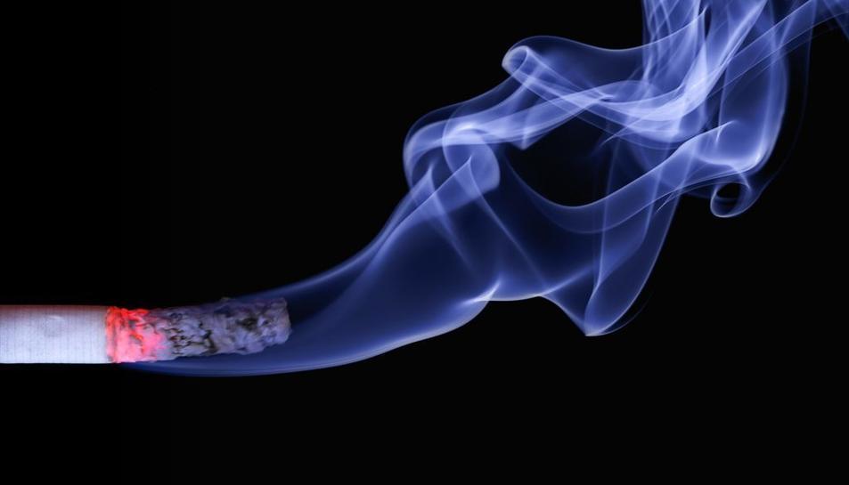 El tabaquisme passiu és tan perjudicial com l'actiu.