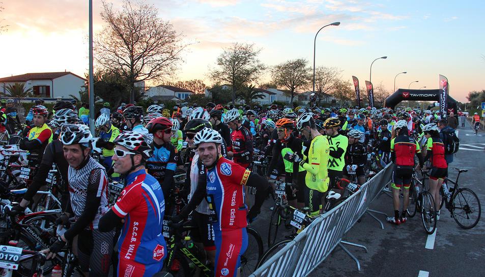 La salida de los ciclistas