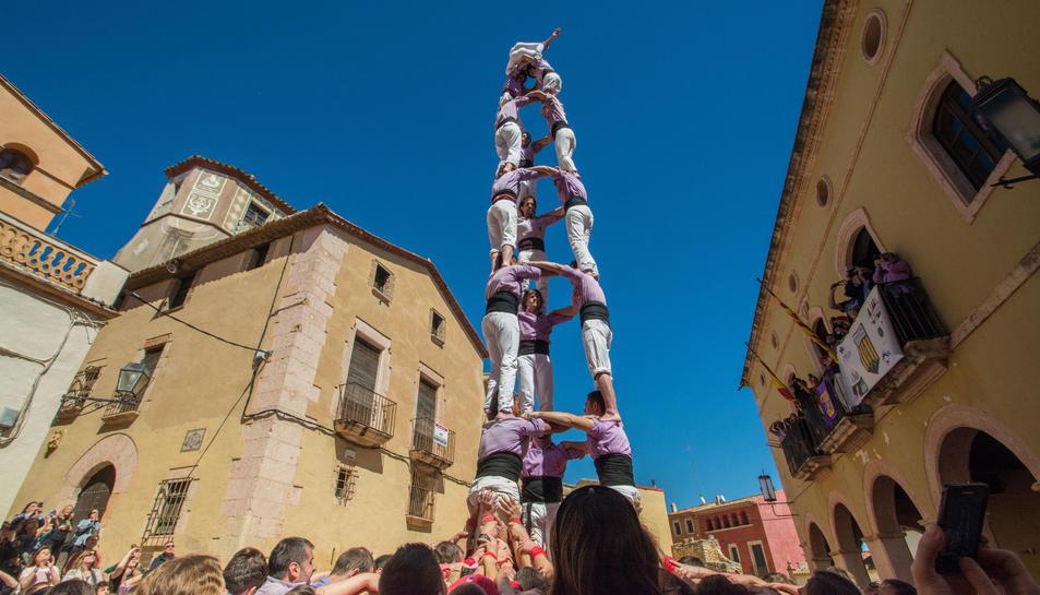 3 de 8 de la Colla Jove Xiquets de Tarragona