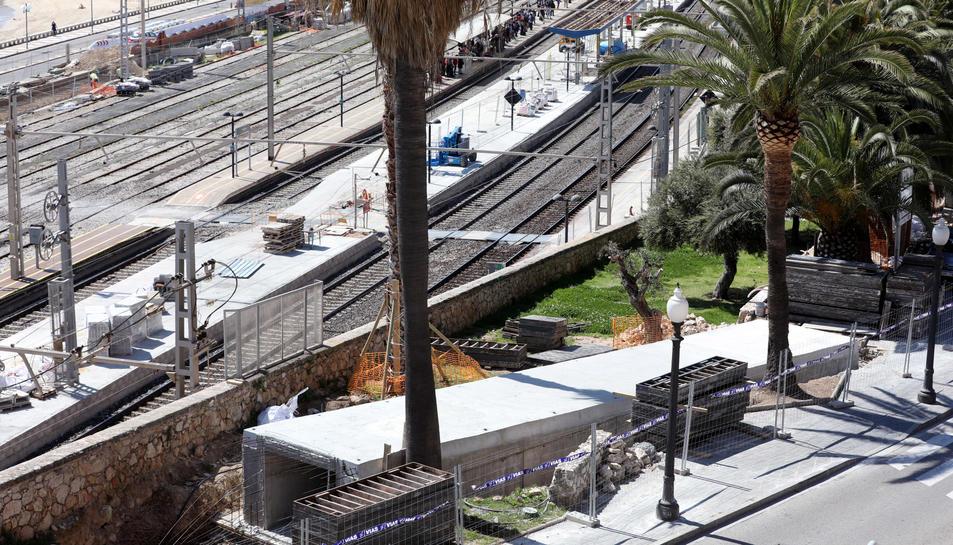 Base d'una de les rampes de formigó que formen part del projecte de l'Autoritat Portuària.