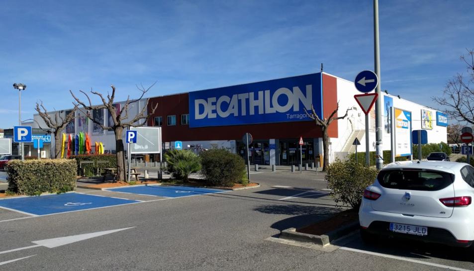 Un dels furts es va produir al Decathlon.