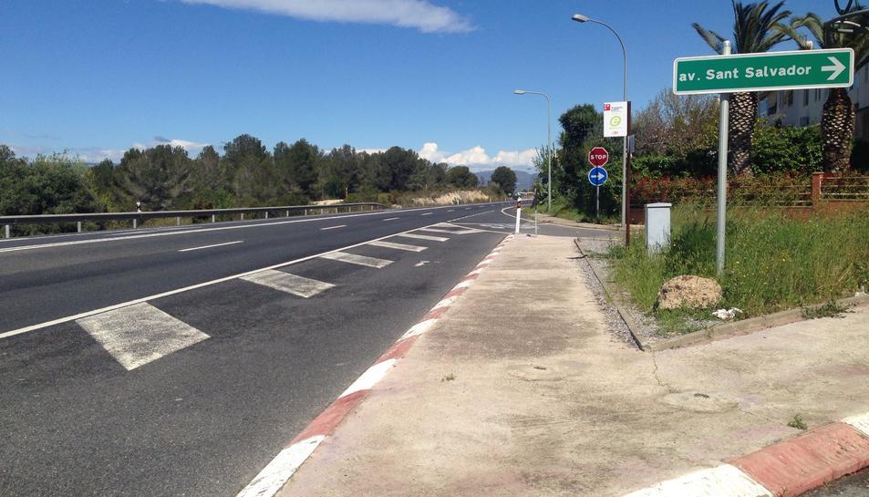 Imatge de la N-240 al seu pas per Sant Salvador.