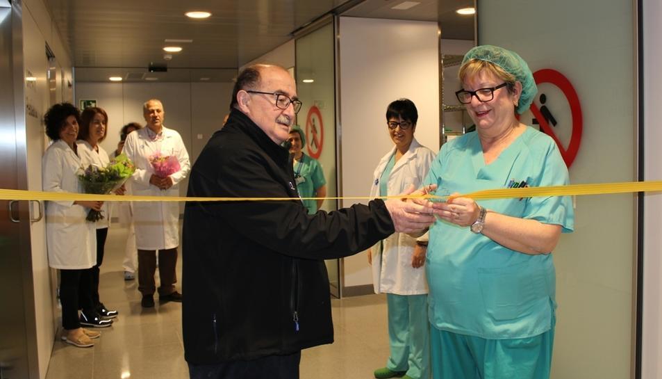 Imatge de la inauguració realitzada pel personal de l'hospital de la nova àrea de CMA.