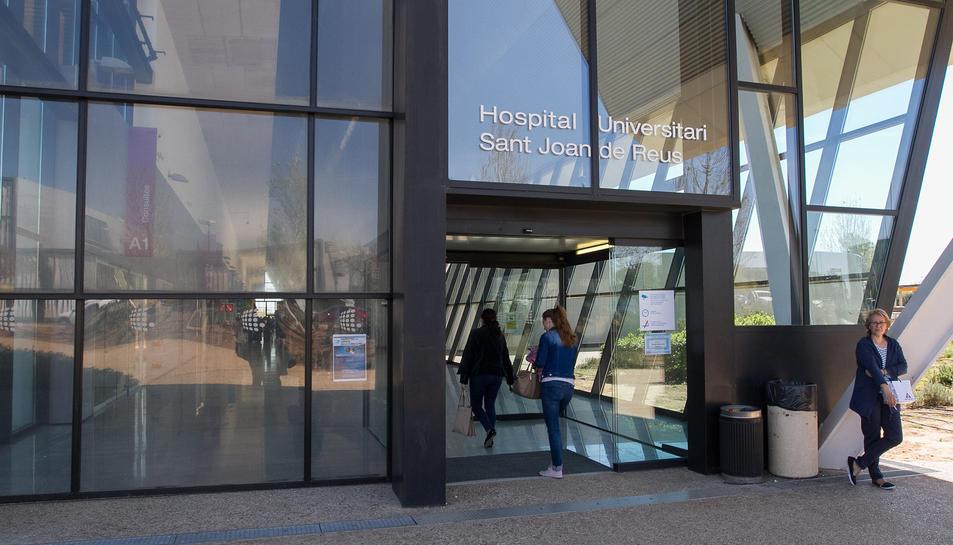 Una imatge d'un dels accessos a l'Hospital Sant Joan de Reus.