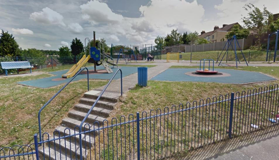 «El gos va córrer cap al parc i va atacar a la nena que estava sota el tobogan» ha assegurat un testimoni a Daily Mail.