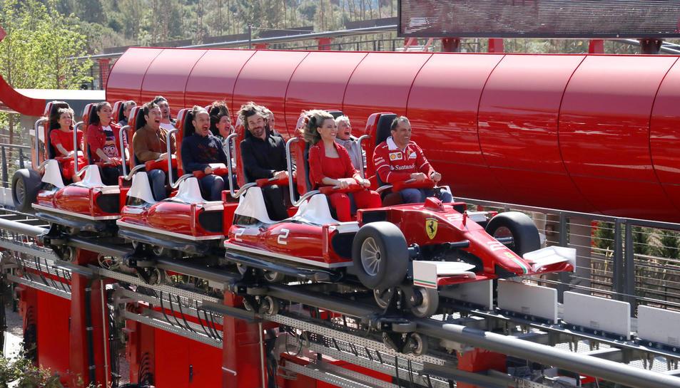 Famosos en Ferrari Land