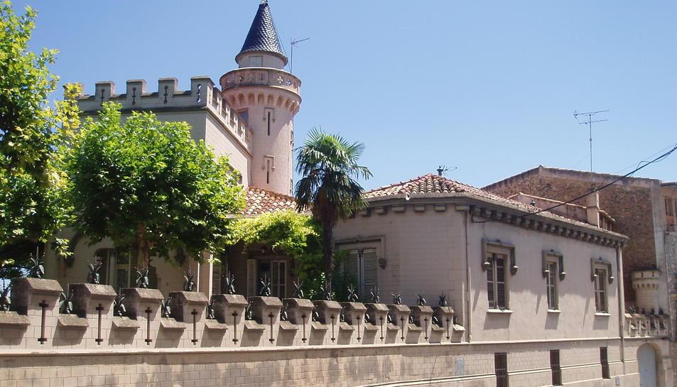 Imatge actual de Cal Pons, conegut com a Castell de Bell-Esguard.