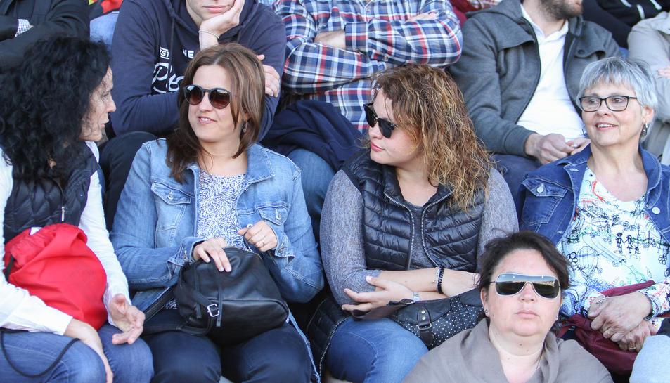 La afición, durante el Reus-Huesca (1).
