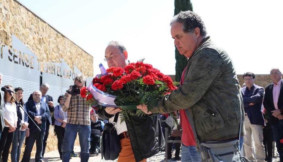Ofrenda a las víctimas de la represión franquista