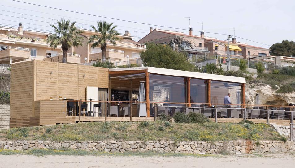 Imatge de la guingueta situada a la platja de la Savinosa, inaugurada l'any 2015.