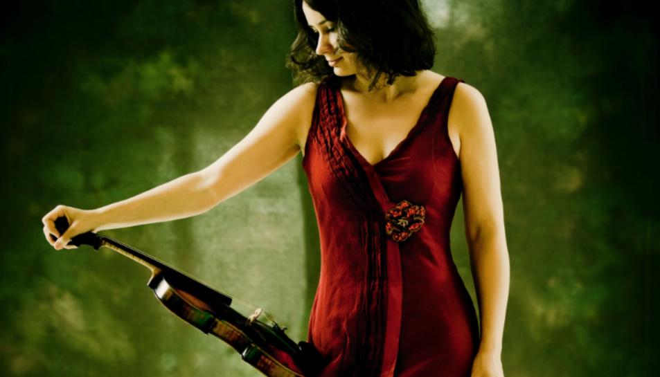 La violinista moldava destaca per ser un dels músics més inquiets i virtuosos del panorama internacional.