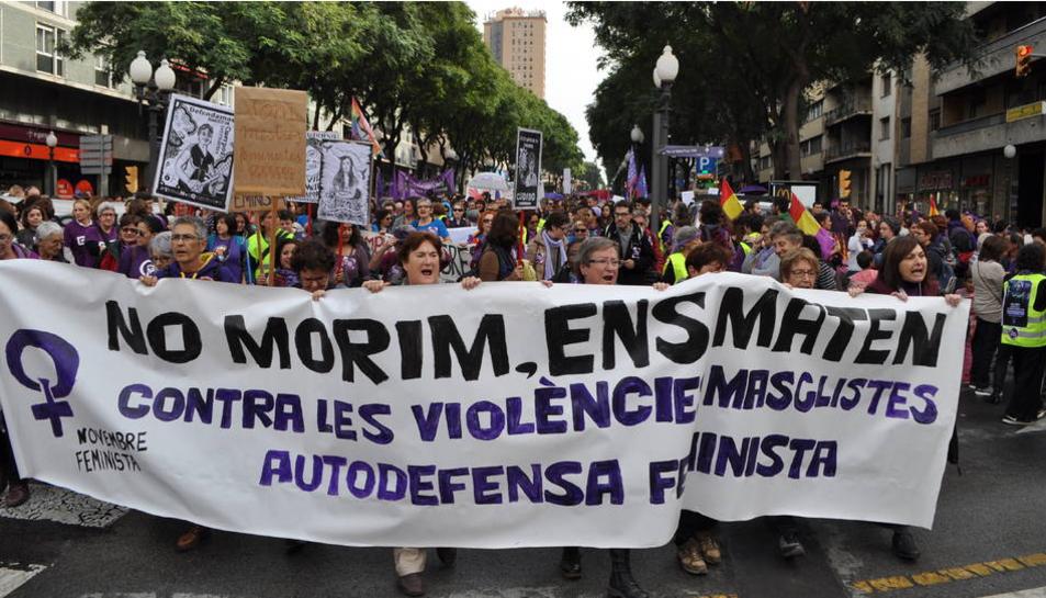 Imatge d'arxiu de la multitudinària manifestació contra la violència de gènere que va tenir lloc a Tarragona el passat novembre.