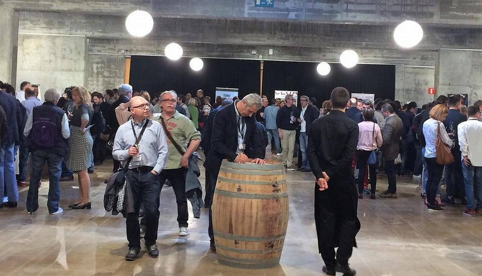 Pla general de la jornada professional dels vins de la DO Terra Alta que va congregar més de 400 professionals del sector. Imatge del 10 d'abril de 2017 (horitzontal)