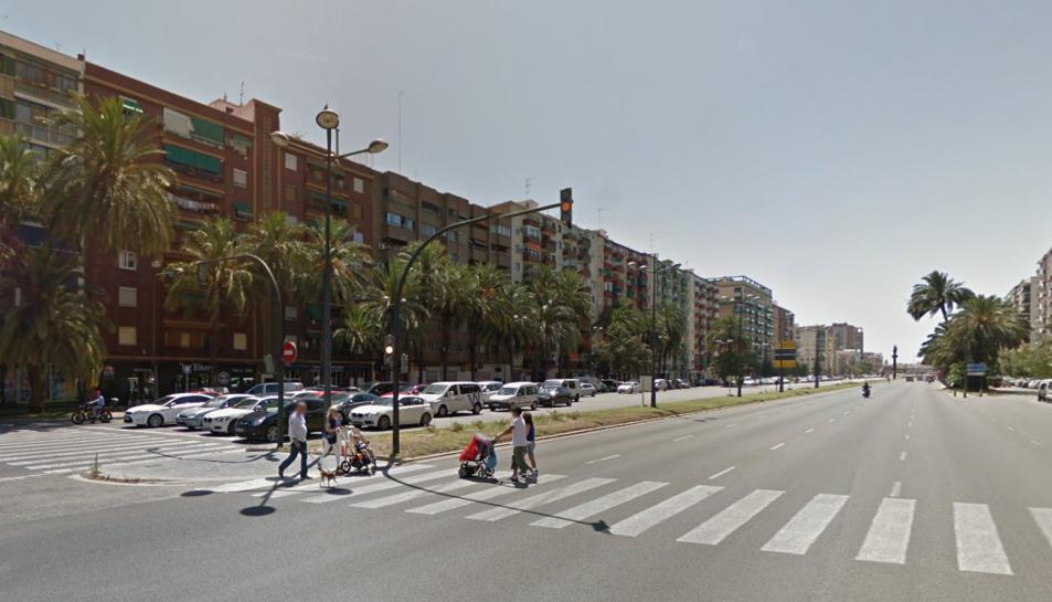 Els agents van ser alertats per la Sala del 091 perquè es dirigissin a l'avinguda d'Ausiàs March de València, on s'estava produint un altercat.