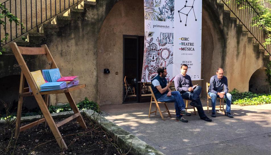 Un moment de la presentació del festival, que ha tingut lloc al jardí del consistori aquest dimarts.