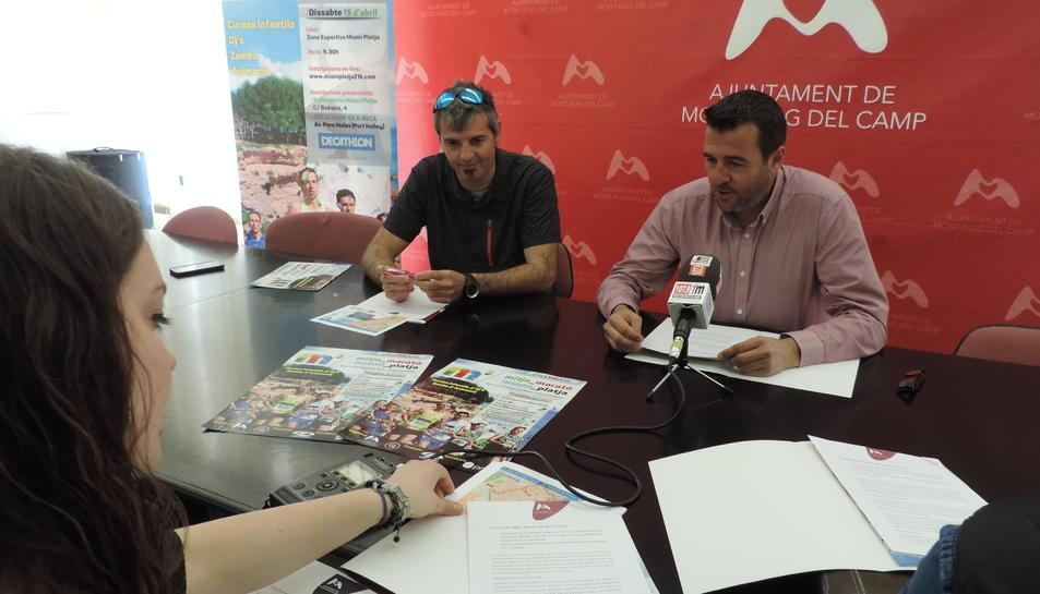 L'alcalde de Mont-roig del Camp, Fran Morancho en la roda de premsa de presentació de la Mitja Marató