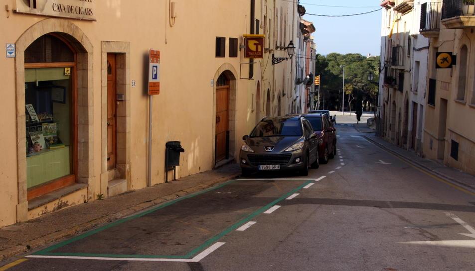 Imatge d'un dels nous aparcaments verds d'Altafulla.