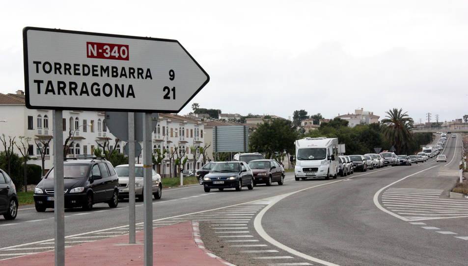 La N-340 al seu pas per Torredembarra és un punt on sovint es produeixen retencions.