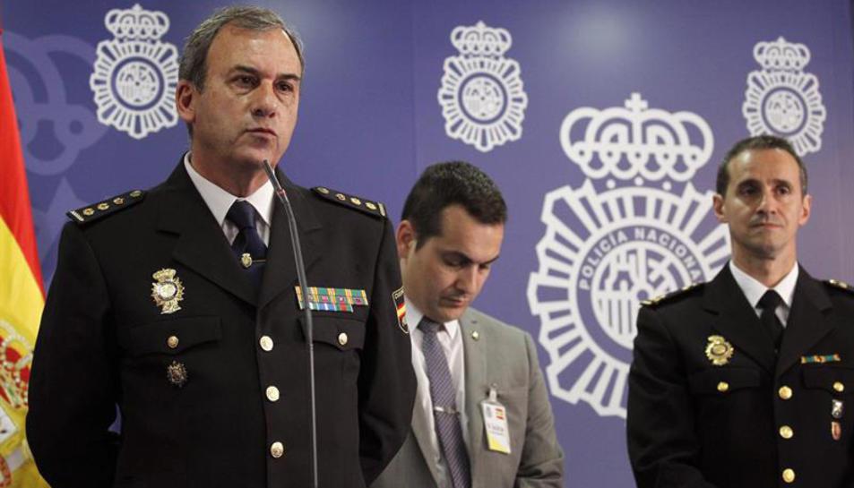 El comissari en cap de la Brigada d'Investigació Tecnològica de la Policía Nacional, Tafael Pñerez, explicant aquest dimarts l'abast de l'operació 'Tantalio'.