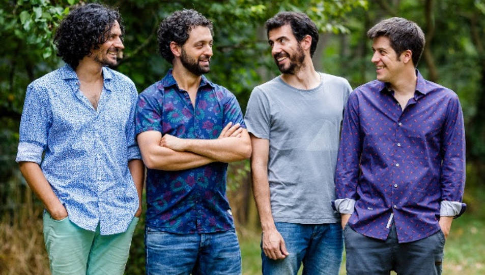 Els quatre membres d'Els Amics de les Arts en una imatge promocional.