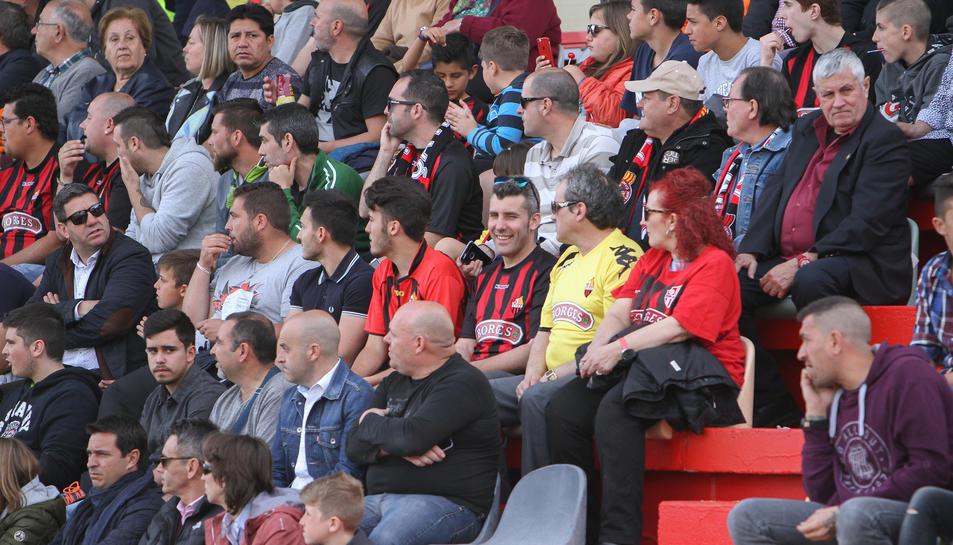 La afición del CF Reus contra el Alcorcón