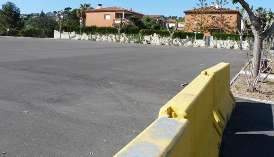 Imatge de l'espai que es convertirà en aparcament gratuït públic.