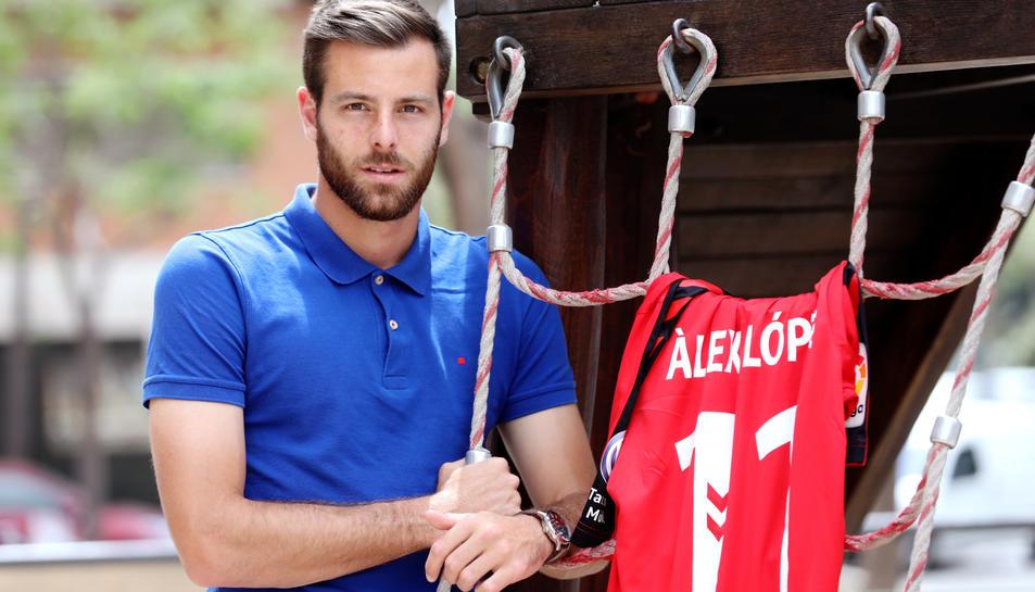 Álex López, que serà titular dilluns davant del CF Reus, assegura que, per a ell, el derbi és un partit molt bonic,