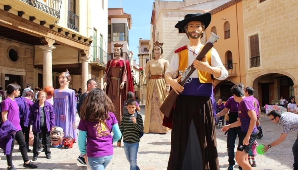 El nou gegant es va presentar durant la Diada de Sant Jordi.