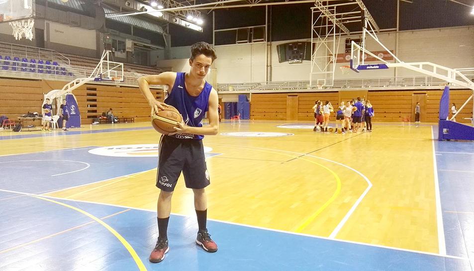 Gerard Estebanell, jugador infantil del CBT.