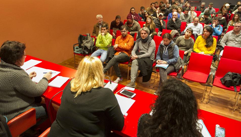 Sessió de debat sobre Barraques al CC El Carme, el gener passat.