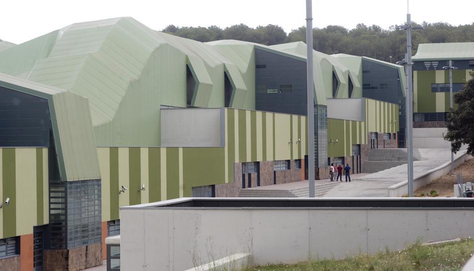 Imatge general d'un dels edificis del Centre Penitenciari de Mas Enric, al Catllar.