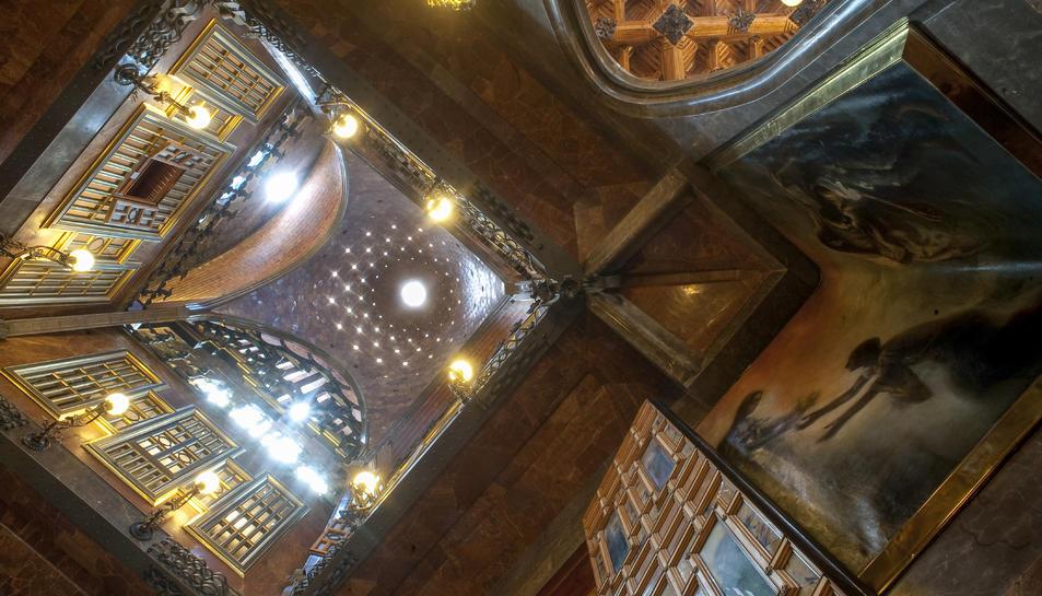 Imatge del Palau Güell que es pot veure a l'exposició 'El Palau dels Artesans' a Reus.